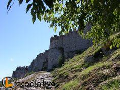 Eικαστική εγκατάσταση στον αρχαιολογικό χώρο του Μυστρά
