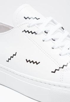 http://www.veja-store.com/5937/v-10-suede-natural.jpg | Basket | Pinterest  | Sneakers, Baskets and Leather