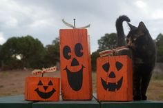 I can make these! :) Rustic, Handpainted, Primitive Wood Halloween Jack-0-Lanterns and Fall Pumpkins
