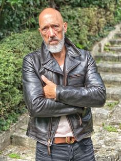 Leather Flight Jacket, Leather Jackets, Unique Outfits, Vintage Outfits, Tweed Trousers, Mature Men, Clothes Crafts, Vintage Leather, Leather Craft