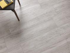 Discover wood effect and Abitare La Ceramica collection. Floor Colors, Floor Patterns, Reggio Emilia, Line Drawing, Devon, Natural Wood, Tile Floor, Strength, Colours