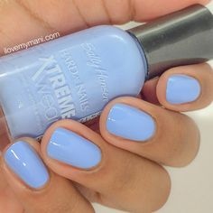 Sally Hansen Babe Blue