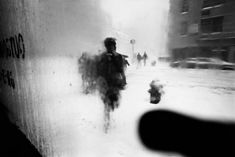 Snow, 1960 | Picture: © Saul Leiter, courtesy Howard Greenberg Gallery, New York / Steidl