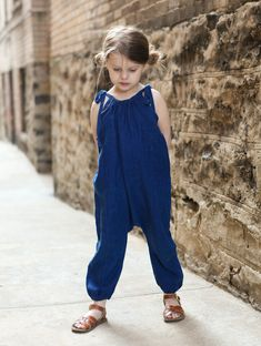 Sew a cute jumpsuit for little kids -- looks super comfy and cute! (on TRUE BIAS) Toddler Jumpsuit, Jumpsuit For Kids, Romper Pattern, Jumpsuit Pattern, Jacket Pattern, Sewing For Kids, Baby Sewing, Toddler Fashion, Kids Fashion