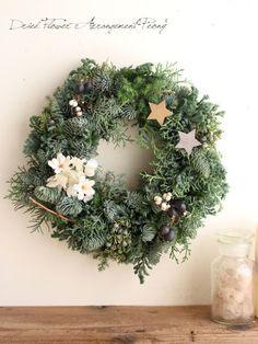 ドライフラワーやプリザードフラワーのリース、ウェルカムボードなどを制作しているピオニーのブログです。 Dried Flower Wreaths, Dried Flowers, Christmas Wreaths, Mermaid, Advent Season, Christmas Time, Autumn Decorations, Christmas Swags, Flower Preservation
