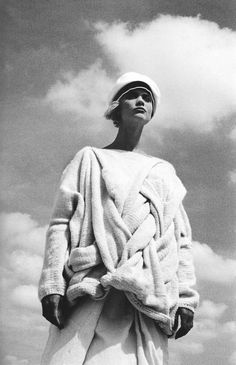 comme des garçons, peter lindbergh, 1983 via maisondupapier.tumblr.com | great example of interweaving macro with micro- the fine knitted jumper that fades into a chunky weave! innovative and beautiful at the same time