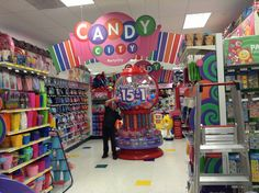 https://flic.kr/p/kRm4rh | Candy | Candy, Candy City at Party City with Scringy