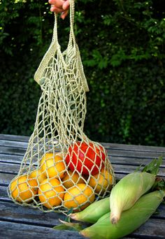 Whit's Knits: Crocheted Linen Grocery Tote by the purl bee, via Flickr