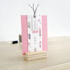 Geboortekaartje Darcy - bohemian - veren - meisje - lief geboortekaartje - zelf maken - DIY knipkaart - vier labels
