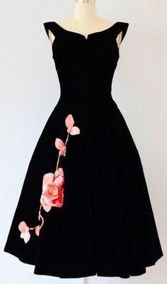 vintage dresses 15 best outfits - vintage dresses Outfits vestidos vintage dresses 15 best outfits - Page 4 of 13 - cute dresses outfits Pretty Outfits, Pretty Dresses, Beautiful Outfits, Fresh Outfits, 50 Style Dresses, Beautiful Black Dresses, Gorgeous Dress, Floral Dresses, Elegant Dresses