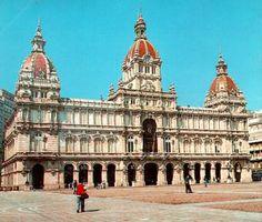 El Ayuntamiento en la Plaza de Maria Pita, La Coruña, GALICIA, España.