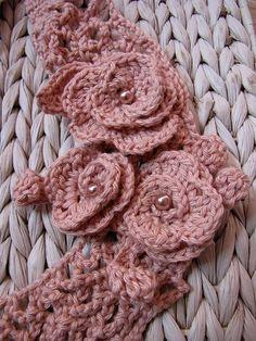 Sweet roses by Little Treasure, via Flickr