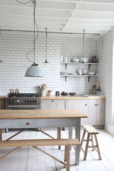 Beautiful first floor Victorian apartment in Primrose Hill Open plan kitchen/Dining/Living room Rustic kitchen, lovely light and . Apartment Decoration, Rustic Apartment, Apartment Kitchen, Kitchen Interior, Kitchen Decor, Kitchen Tiles, Apartment Living, Distressed Decor, Distressed Kitchen