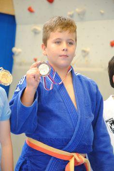 V Puconcih je Judo klub Klima Tratnjek Beltinci pripravil državno prvenstvo v judu za starostni kategoriji U – 10 in U – 12. Med 264.judoisti iz 26 klubov so deset zlatih medalj zbrali tudi pomurski judoisti. Med 10 letniki so postali državni prvaki: Gabrijel Lipič in Alen Tirović iz Beltinec in Teo Puhan ter Rok Hull iz Murske Sobote. Med 12 letniki pa so postali državni prvaki: David Lang iz Murske Sobote in Samo Jaklin iz Lendave.