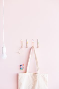 DIY Lollipop Stick Hooks tutorial | @fallfordiy