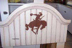 A repurposed headboard for that little cowgirl in your heart by Keep it Simple out of Drewsey... pinned with Pinvolve