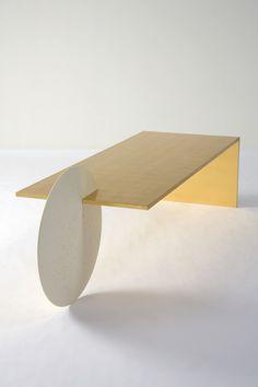 Geometric table Brownie b brownie bar Unique Furniture, Contemporary Furniture, Wood Furniture, Furniture Design, Geometric Furniture, Casa Pop, Small Tables, Furniture Inspiration, Design Inspiration