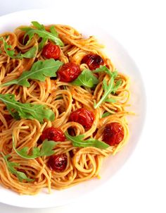 New Explore Cuisine Red Lentil Spaghetti (gluten-free) with Cauliflower Rosa Sauce (vegan) Vegetable Recipes, Vegetarian Recipes, Delicious Recipes, Rosa Sauce, Arugula Recipes, Benefits Of Organic Food, Vegan Cauliflower, Cooking Bacon, Vegan Dishes
