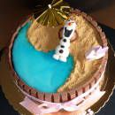 Olaf KitKat Cake ... in summer