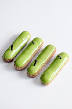 Who knew lemongrass and green apples would go together? Bread And Pastries, French Pastries, Pastry Recipes, Cooking Recipes, Cream Horns, Cake Piping, French Patisserie, Choux Pastry, Pastry Shop