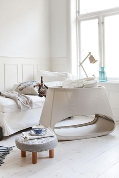 sleek bassinet from stokke; i like the soft sides.
