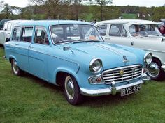 133 Standard Vanguard Luxury Six Estate (1963)