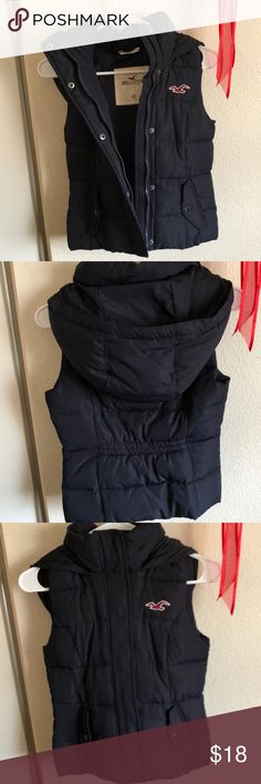 Hollister puffer vest Like new. Only worn once due to that it fits me small Hollister Jackets & Coats Vests