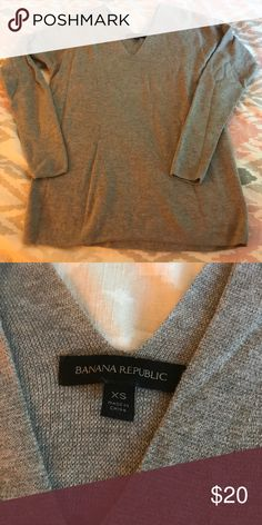 Banana Republic v-neck Sweater V-Neck Banana Republic Sweater Banana Republic Sweaters V-Necks