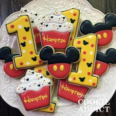 Happy first birthday, Hampton! #mickeymouse #firstbirthday #mouseears #mickeymousecookies #acookieaddict #trianglecookies #durhamcookies…
