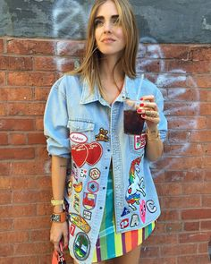 Pin for Later: Jean Jacket Outfit Inspiration that Will Take You from Summer to Fall With DIY Patches Look Patches, Diy Patches, Jacket Patches, Stylish Outfits, Fashion Outfits, Love Jeans, Patched Jeans, Denim Outfit, Colourful Outfits