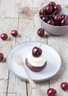 Schoko-Kirsch-Muffins | cherry chocolate muffins | © monsieurmuffin
