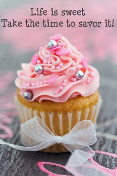 Ah a pink cuppycake with silver pearls..can it get any sweeter?