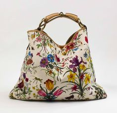 Gucci  SOLD! Floral Printed Shopper. - http://www.pandoradressagency.com/latest-arrivals/product/gucci-8/