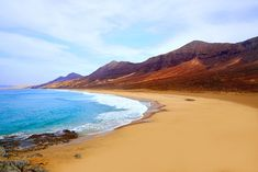 Enjoy your holidays in Fuerteventura with RIU Hotels & Resorts: beach hotels, all-inclusive, sport, spa and unique experiences at the best price guaranteed. Inclusive Holidays, All Inclusive, Beach Hotels, Hotels And Resorts, Tenerife, Destinations, Canario, Lonely Planet, Spain