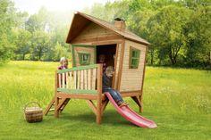Houten speelhuisje met glijbaan #garden #kids