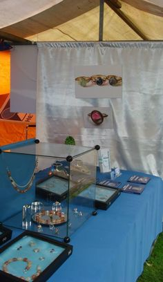 Besides silver and golden jewelry we also displayed photographs.