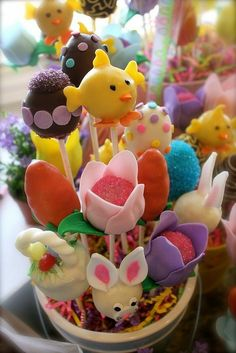 Cartoon Easter egg bouquet, Easter Egg Crafts, Easter Table Centerpiece  #st  #patrick #food #dessert #decor #ideas www.loveitsomuch.com