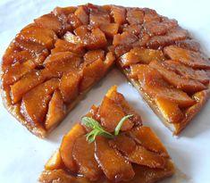 Tarta Tatin cu gutui - CAIETUL CU RETETE Cobbler, Bacon, Good Food, Cooking Recipes, Ice Cream, Pie, Sweets, Breakfast, Desserts