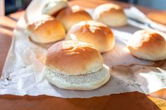 These Homemade feather-light Hamburger Buns are are as soft as the grocery store buns! Soft, airy with the classic wrinkle signature marks! Soft Buns Recipe, Homemade Hamburger Buns, Homemade Buns, Homemade Hamburgers, How To Make Hamburgers, Baking Buns, Bread Maker Recipes, Bread Rolls