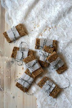 Healthy sticky quinoa bars | Yellow lemon tree
