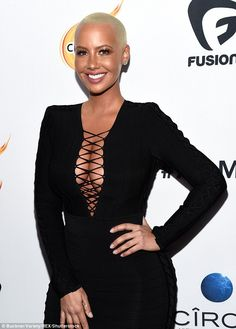 ef12b27e4b579 Amber Rose creates a cleavage commotion at the All Def Movie Awards