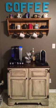 Here are brilliant coffee station ideas for creating a little coffee corner that will help you decorate your home. Find and save ideas about Home coffee stations in this article. See more ideas about Coffee corner kitchen, Home coffee bars and Kitchen ba Coffee Shop, Coffee Bar Home, Home Coffee Stations, Coffee Corner Kitchen, Coffee Station Kitchen, Corner Stove, Coffee Area, Coffee Coffee, Ninja Coffee