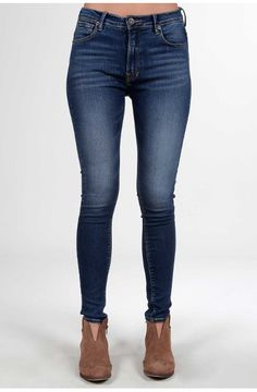Jegging oscuro tiro alto Skinny Jeans, Pants, Fashion, Templates, Going Out Clothes, Dark, Lady, Woman Clothing, Jackets
