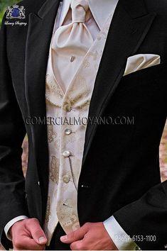 dd61ea66bc47 Ivory groom waistcoat in silk jacquard fabric Wedding Suit Styles, Wedding  Suits, Short Frocks
