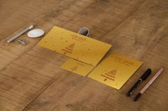 FLYER PAPIER MÉTALLISÉ OR OU ARGENT La finition 3D apporte une réelle valeur ajoutée au produit.