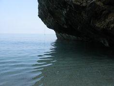 Μέσα στις θαλασσινές σπηλιές....κ.τ