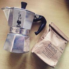 Good Morning addicted to @barcomis_berlin #roasted #kona #macadamia #nut #coffee…