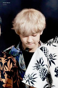 his dimple. Baekhyun, Park Chanyeol Exo, Exo Ot12, Chanbaek, Chansoo, Kris Wu, Rapper, Kim Minseok, Xiuchen