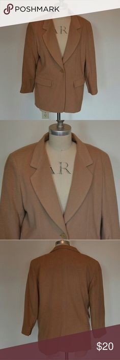Trade Mark Cashmere Jacket made in Italy Great cashmere jacket tan.  Looks like a women's size small.  Shell is 65% wool 20% Nylon and 15% Cashmere. Dry clean only.  In good used condition. Trade Mark Jackets & Coats Blazers