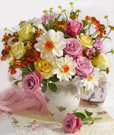Marianna Lokshina - Bouquet in vase_LMN20866.jpg
